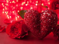 Red-romantic-heart-hd-free-wallpapers