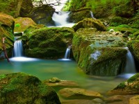 beautiful-waterfalls-hd-wallpaper-free-for-mobiles