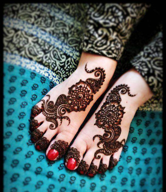 Foot mehndi design simple