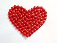 red-balls-love-red-Heart-hd-free-wallpaper