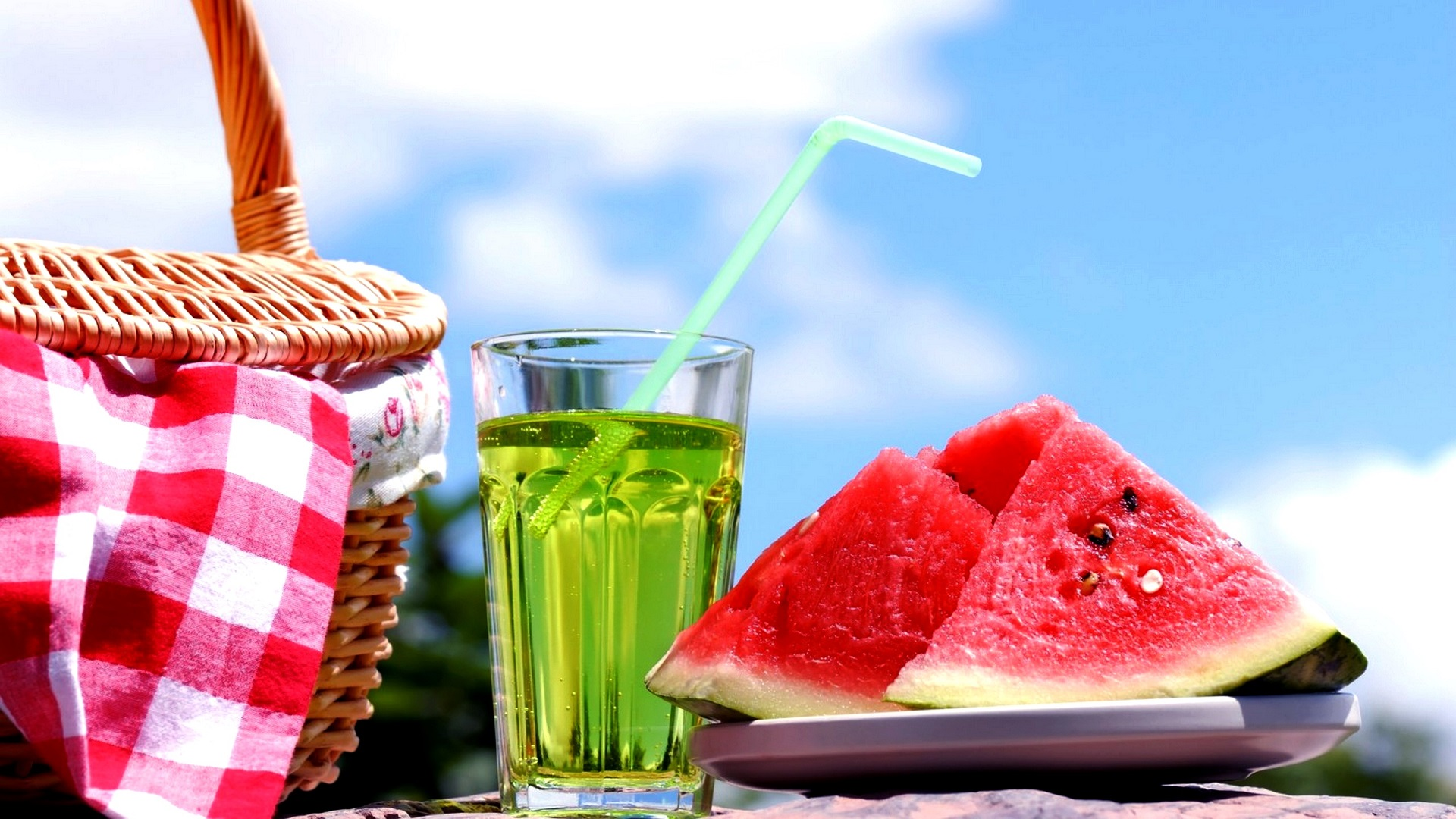 summerseasondrinkswithwatermelonfreehdwallpapers