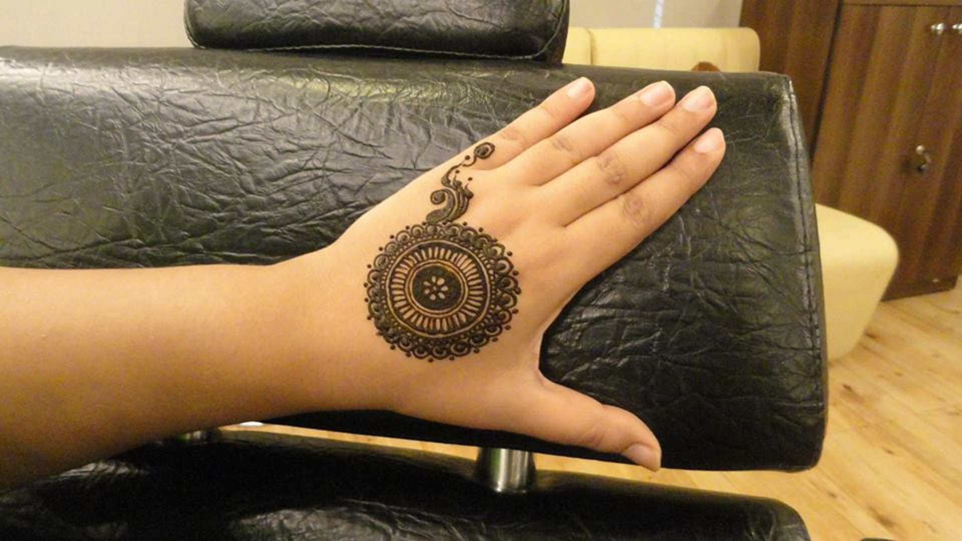 New-Collection-of-Beautiful-Mehndi-Designs-Eid-ul-Adha-free-hd-wallpapers