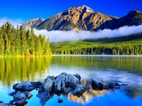 beautiful mountain lake hd free wallappers for desktop