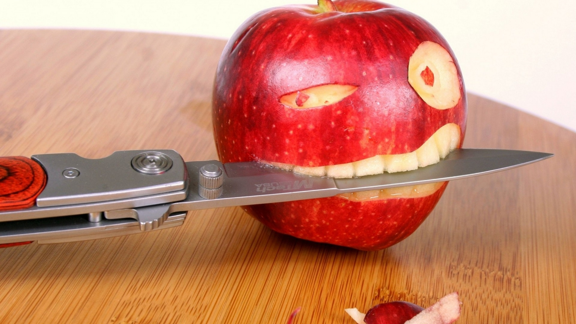Apple funny desktop wallpapers