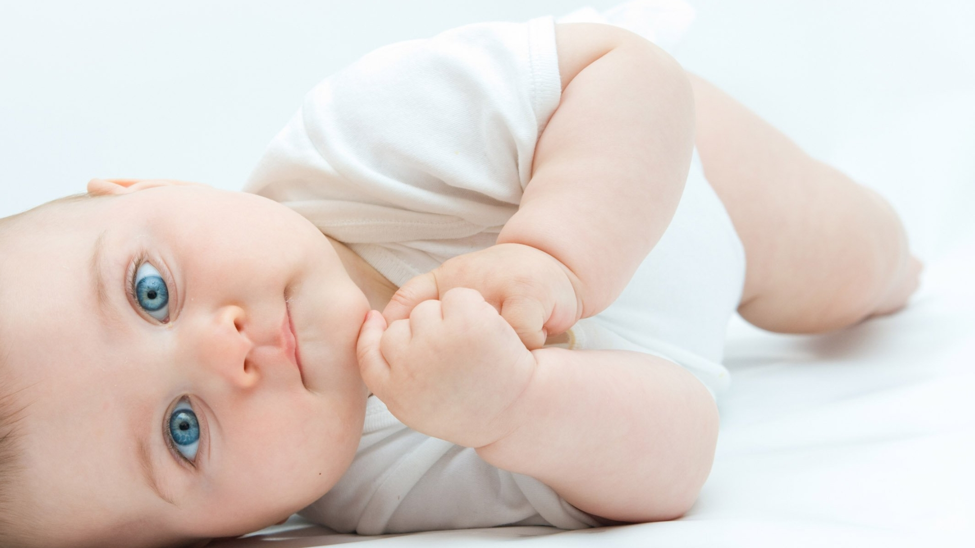 Cute baby images wallpapers free download