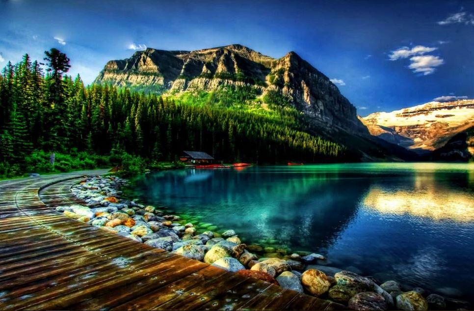 Beautiful mountain scenery wallpaper