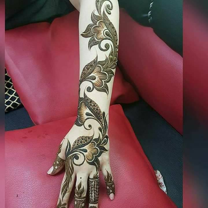 Beautiful mehndi art latest style