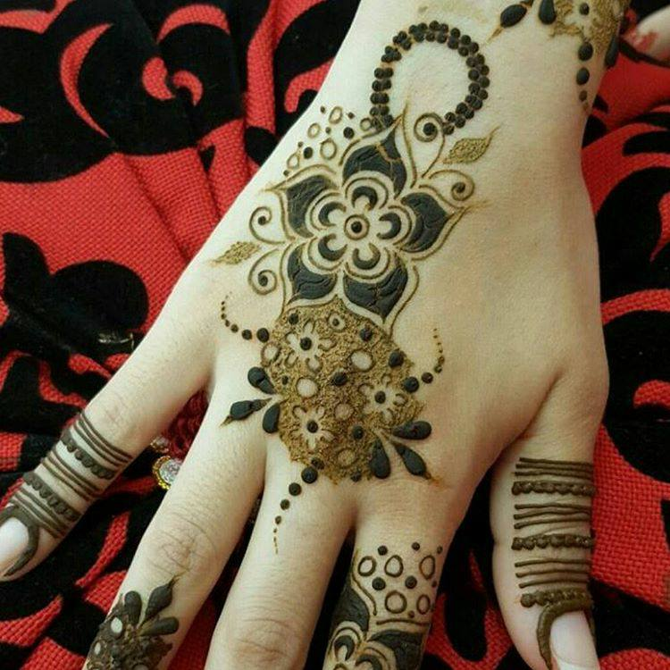 Beautiful henna designs latest style