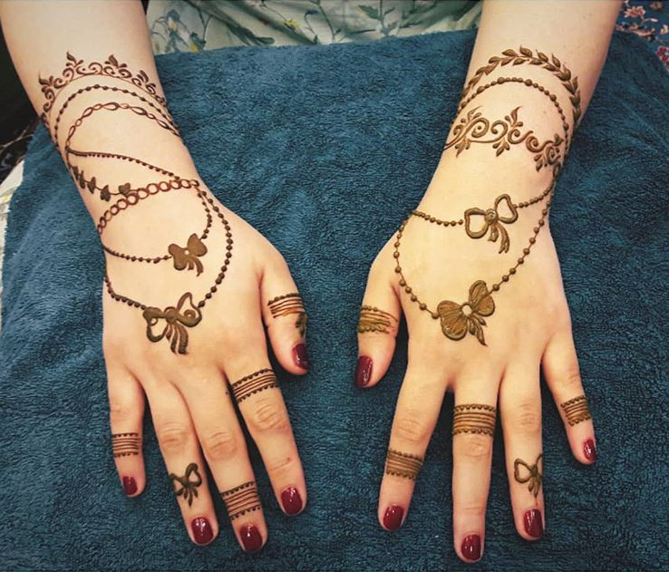 Simple and elegant henna designs