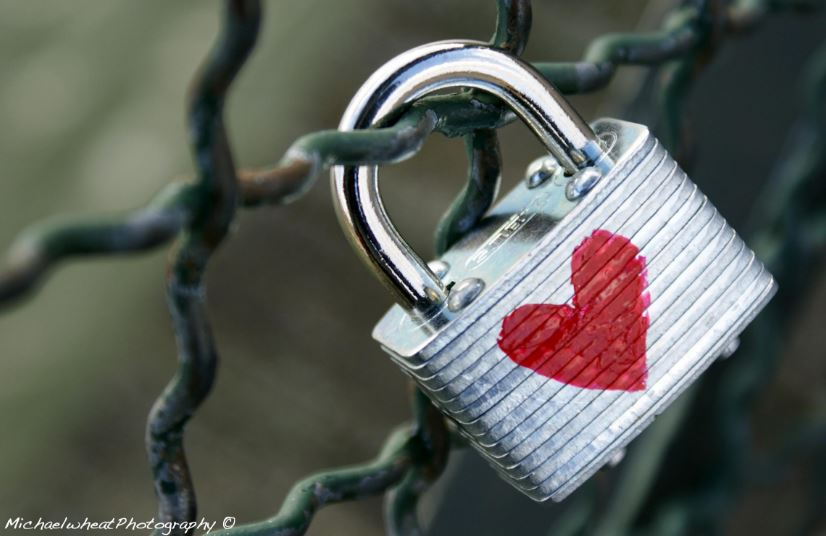 Love lock wallpaper