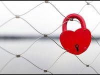 Valentine day love lock wallpaper
