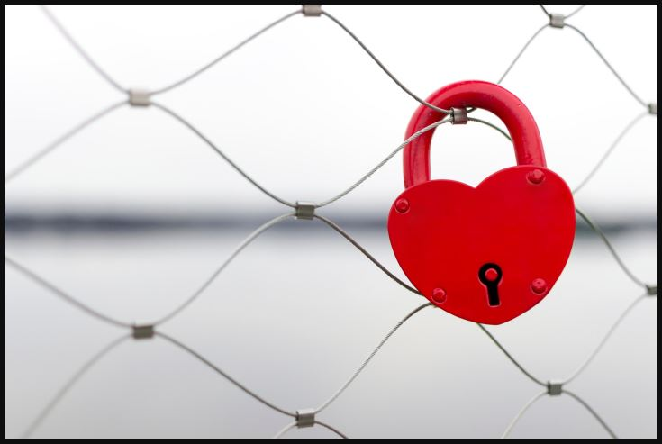 Valentine day love lock wallpaper