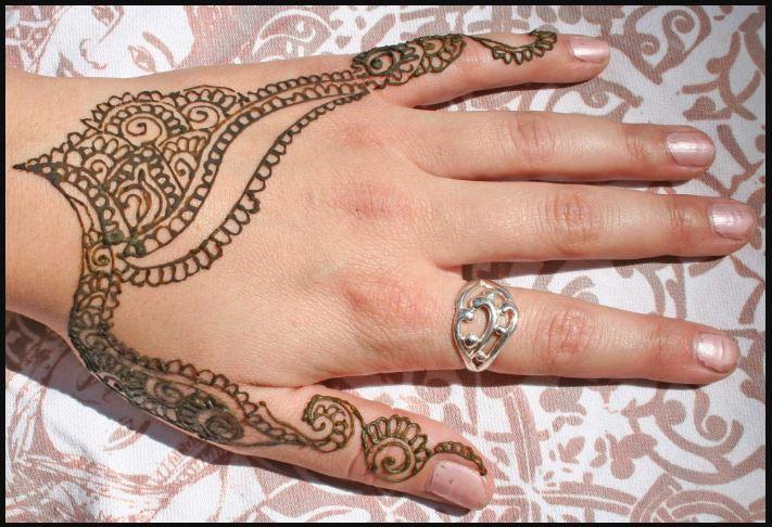 cute henna pics