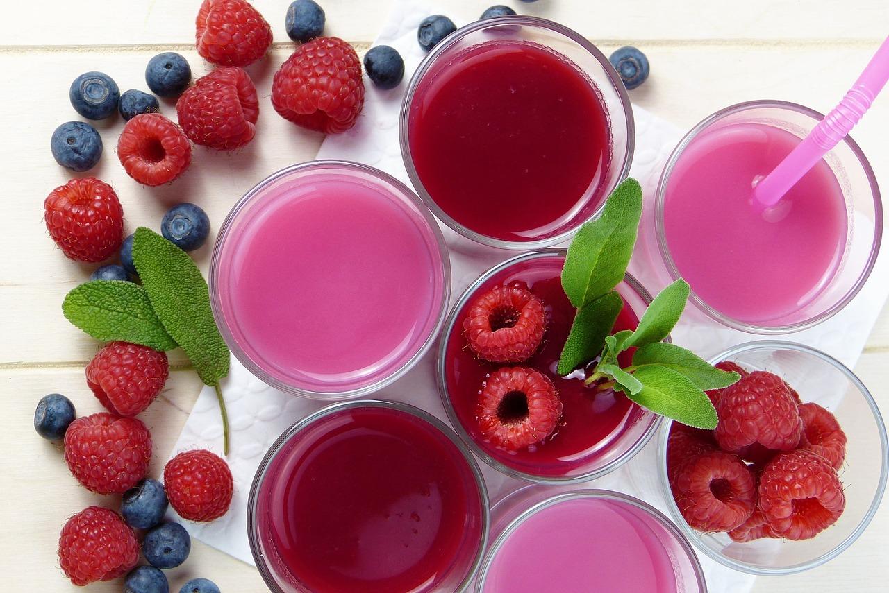 Raspberry blueberry smoothies juice