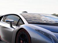 Download HD Car Race Wallpaper 1080x2280