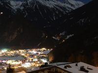Mayrhofen 4k Wallpaper 1080x2280
